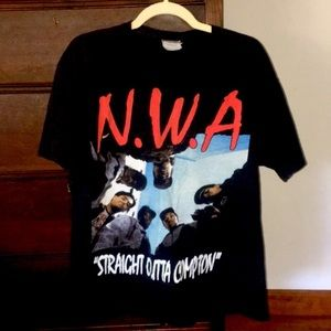 Tops - N.W.A. Straight Outta Compton Tee